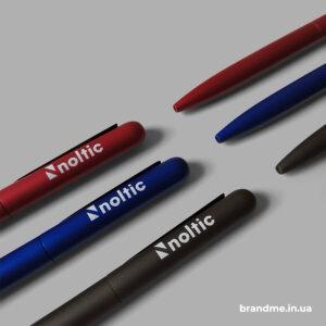 Об'ємне нанесення логотипа на ручках